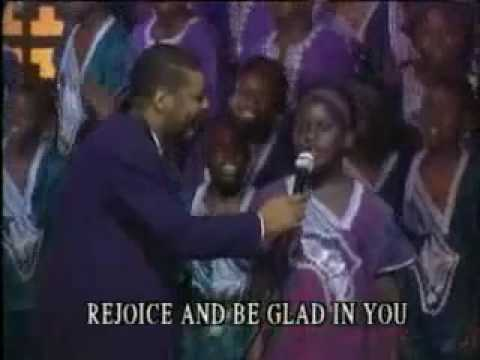 Read more about the article Ron Kenoly & African Children´s Choirs – The Lord Be Magnified #christianmusic