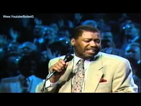 Read more about the article Ron Kenoly, The Solid Rock