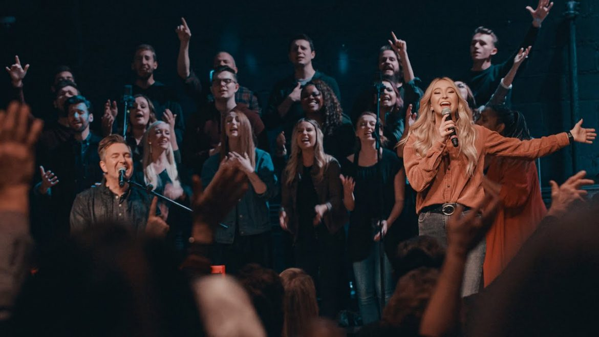 Read more about the article King Of Kings // Travis Cottrell feat. Lily Cottrell // Live